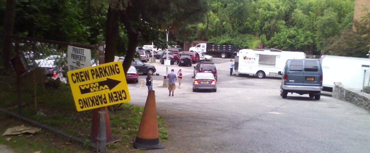 benefits-of-film-crew-parking-lot-sign-min