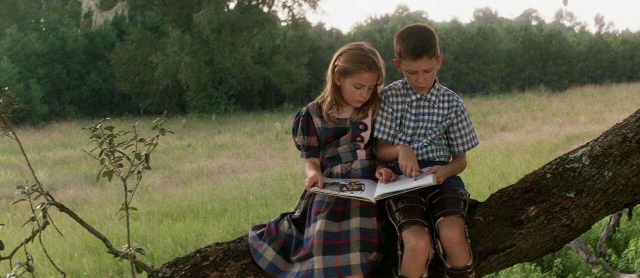 Medium Close Shot - The Art of the Camera Angle - Forest Gump