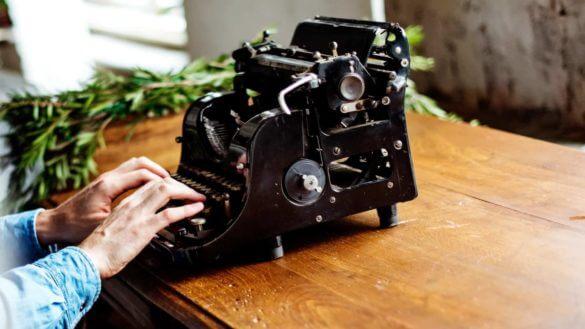 The Best Screenwriting Books for Screenwriters - Header - StudioBinder